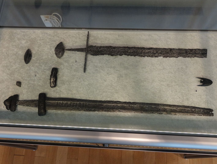 Kalavijai ir jų fragmentai