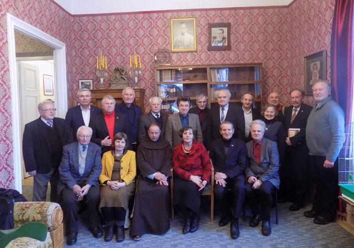 XXVII knygos mėgėjų draugijos nariai
